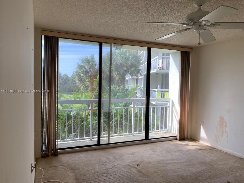 2621  Village Blvd  Unit 206 West Palm Beach, FL 33409-6908 MLS#A10610460 Image 32