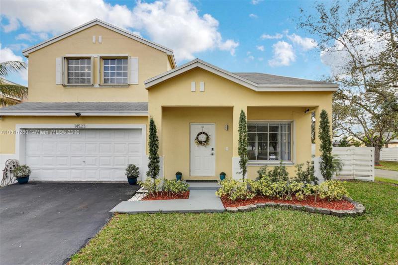 14863 SW 148th St Cir , Miami, FL 33196-2310