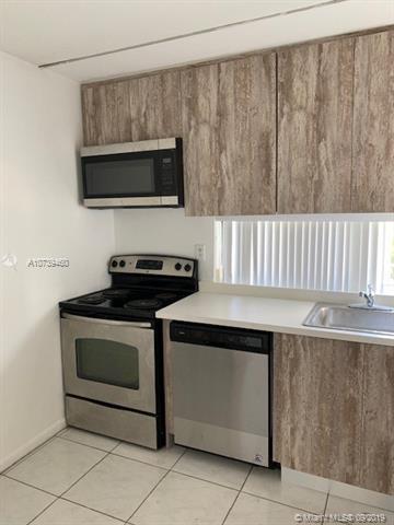 17011 N BAY RD 818, Sunny Isles Beach, FL, 33160