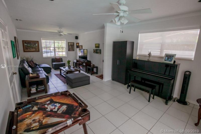 13745 SW 74 Ave, Palmetto Bay, FL, 33158
