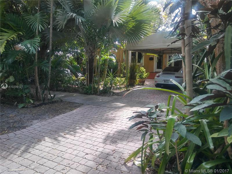 2410 Overbrook St, Coconut Grove Single Story