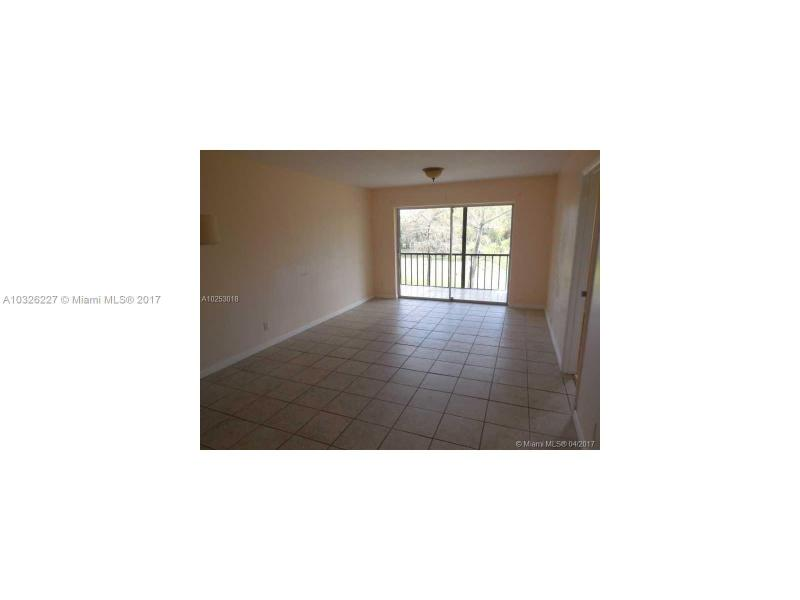6070 NW 64th Ave  Unit 202, Tamarac, FL 33319-2275