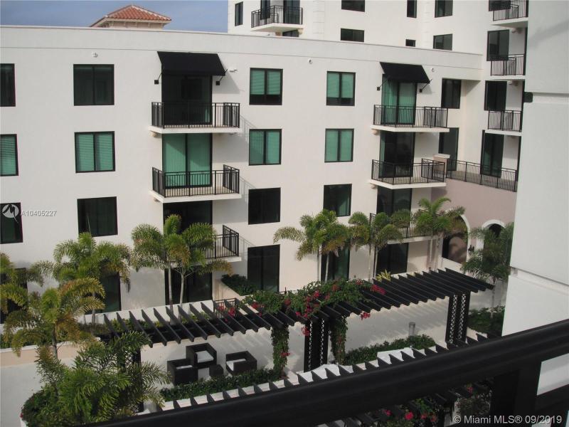 1300 Ponce De Leon Blvd 811, Coral Gables, FL, 33134