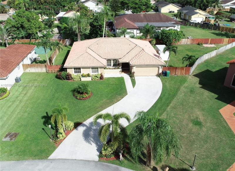 15531 SW 150th Ct,  Miami, FL