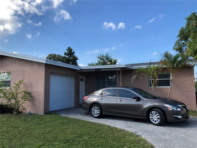 8601 NW 29th St , Sunrise, FL 33322-2332