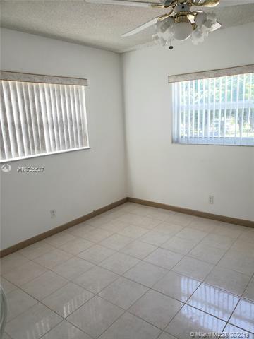 1045 Country Club Dr 301, Margate, FL, 33063
