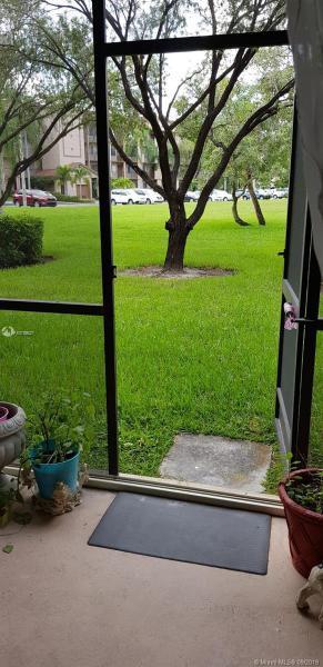 1200 SW 137th Ave 105E, Pembroke Pines, FL, 33027