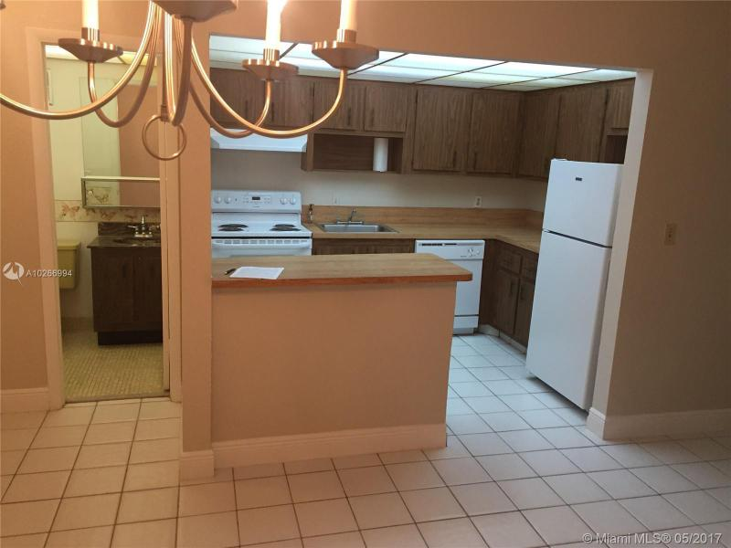 1751 75th Ave  Unit 205, Plantation, FL 33313