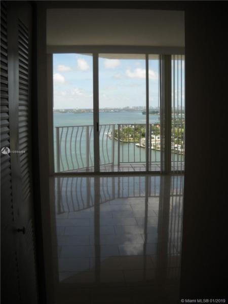 7601 E Treasure Dr PH212, North Bay Village, FL, 33141