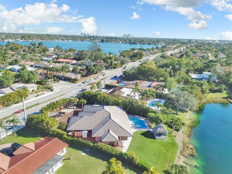 4620 SW 87th Ave,  Miami, FL