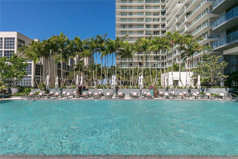 3401 NE 1 AV,  Miami, FL