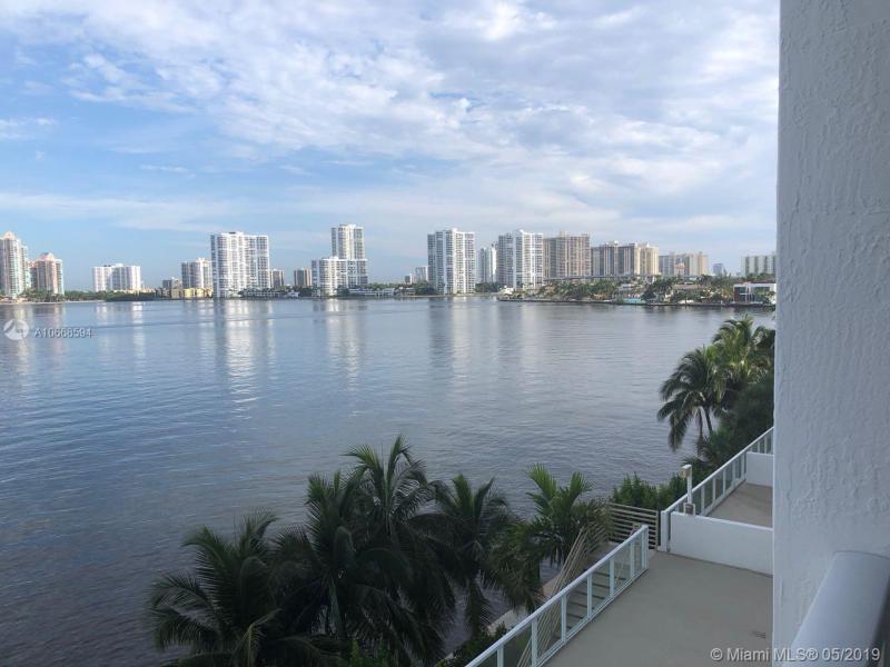 18100 N Bay Rd 504, Sunny Isles Beach, FL, 33160