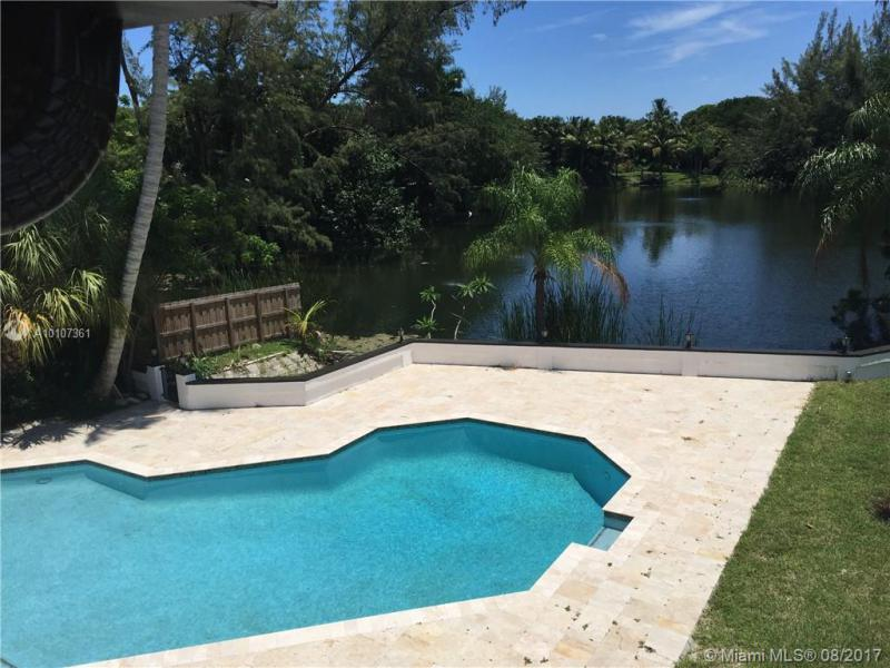 Lazy Lake 22-35 B - Wilton Manors - A10107361