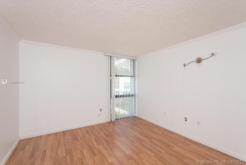 For Sale at  3625 N Country Club Dr #105 Aventura  FL 33180 - Eldorado - 1 bedroom 1 bath A10257461_9