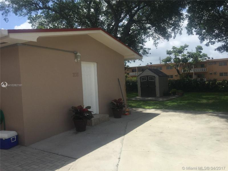 16450 2nd Ave  Unit 401, Miami, FL 33169