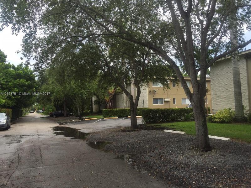 6330 SW 79th St  Unit 24, South Miami, FL 33143-4969