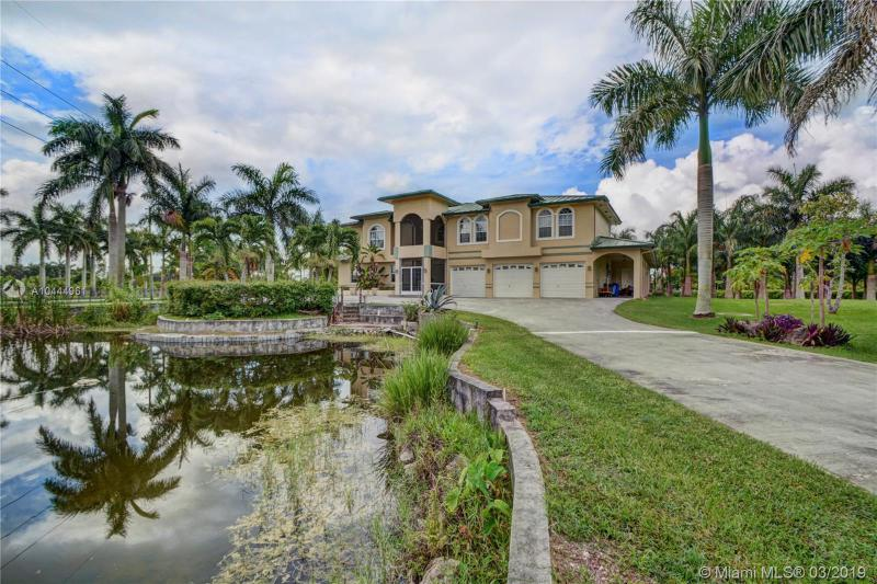 19000 SW 57th Ct,  Southwest Ranches, FL