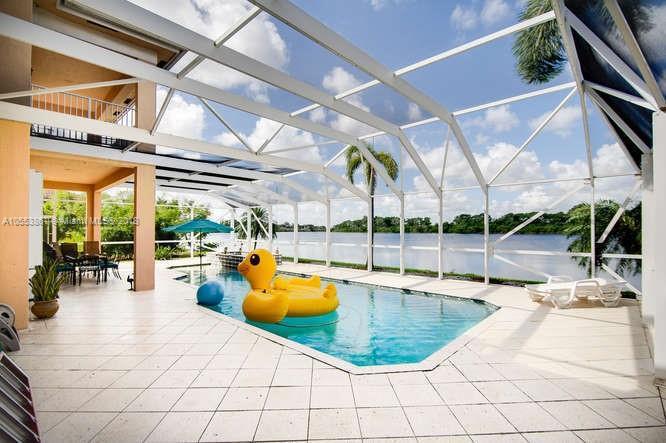 BAY POINTE CORAL SPRINGS FLORIDA