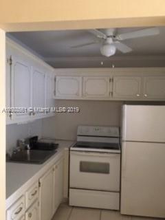 319  Farnham P  Unit 319 Deerfield Beach, FL 33442-2902 MLS#A10588561 Image 4