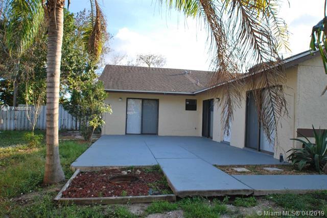 1403  White Pine Dr , Wellington, FL 33414-5783