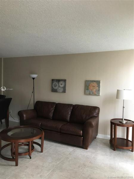 210 172nd St 523, Sunny Isles Beach, FL, 33160