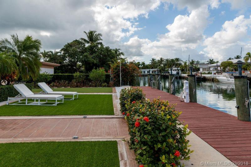 For Sale at  12780   Hickory Rd North Miami  FL 33181 - Keystone Island No 3 - 3 bedroom 2 bath A10254928_19