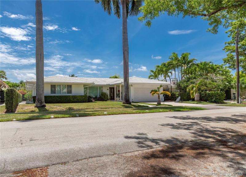 For Sale at  12780   Hickory Rd North Miami  FL 33181 - Keystone Island No 3 - 3 bedroom 2 bath A10254928_3