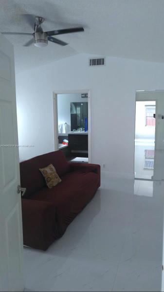 8141 SW 158th Pl  Miami, FL 33193-3045 MLS#A10404928 Image 3