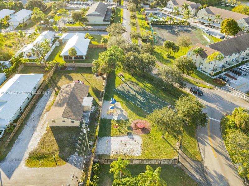 6262  Riverwalk Ln  Jupiter, FL 33458-7992 MLS#A10599828 Image 33