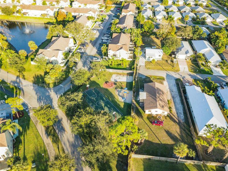 6262  Riverwalk Ln  Jupiter, FL 33458-7992 MLS#A10599828 Image 38