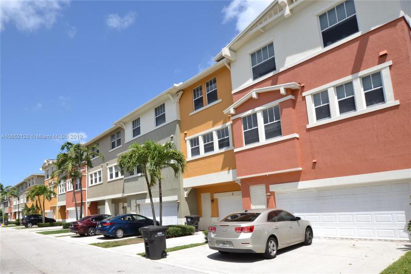 820  Millbrae Ct , West Palm Beach, FL 33401-8471