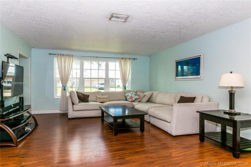 7151 SW 12th St, Pembroke Pines, FL, 33023