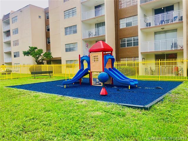 6930 Miami Gardens Dr 1-217A, Hialeah, FL, 33015