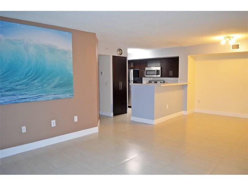620 111th Ave  Unit 302, Pembroke Pines, FL 33025
