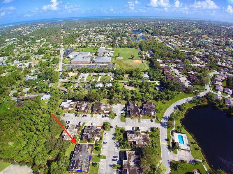 6433 SE Brandywine Court  Unit 220, Stuart, FL 34997-