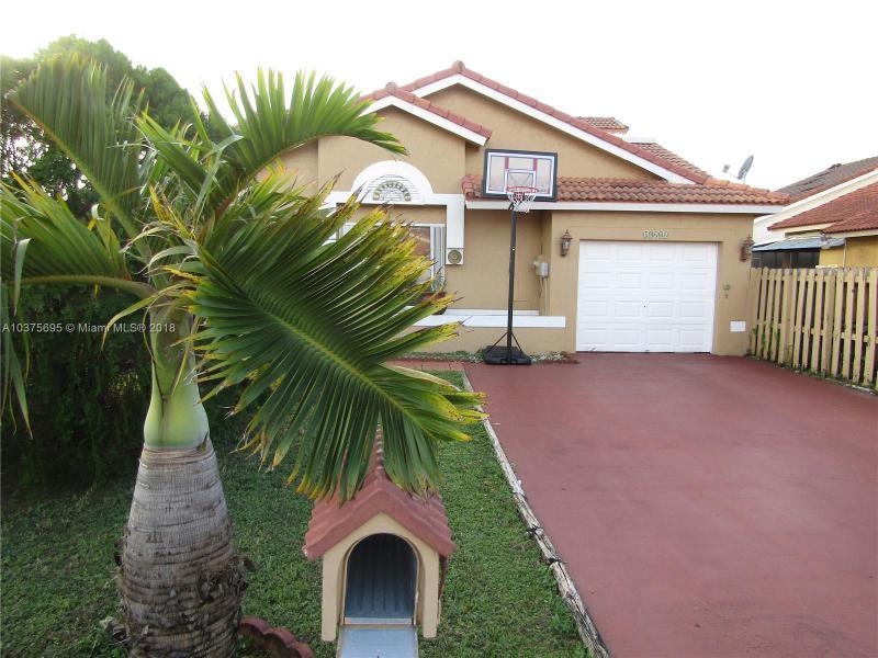 19006 NW 54th Pl,  Miami Gardens, FL