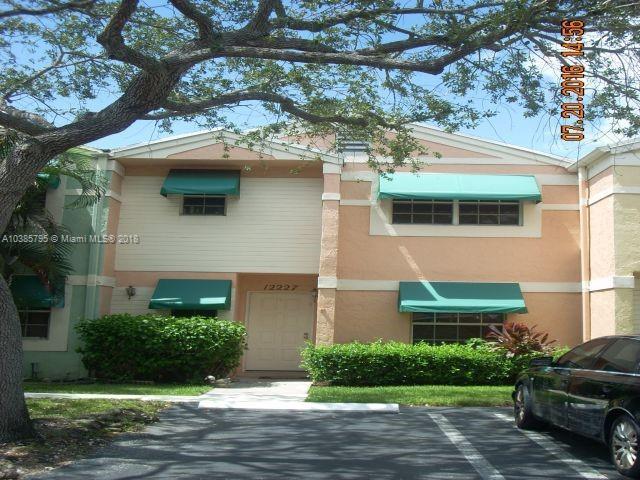 2578  Camelot Ct , Cooper City, FL 33026-3666