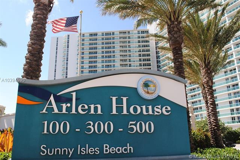 Arlen House