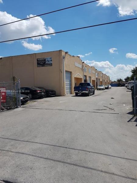 Imagen 2 de Commercial Florida>Hialeah Gardens>Miami-Dade   - Sale:235.900 US Dollar - codigo: A10429295