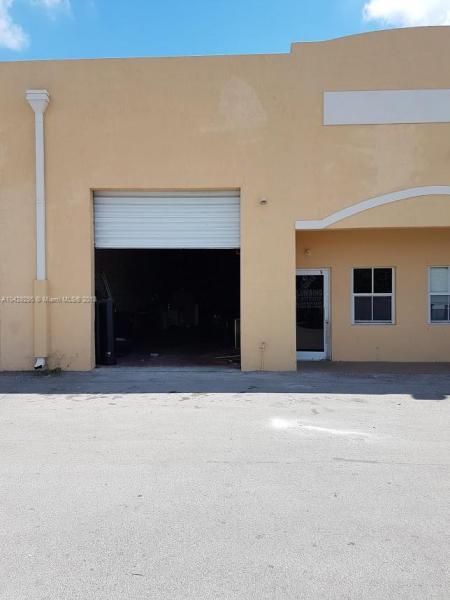 Imagen 3 de Commercial Florida>Hialeah Gardens>Miami-Dade   - Sale:235.900 US Dollar - codigo: A10429295