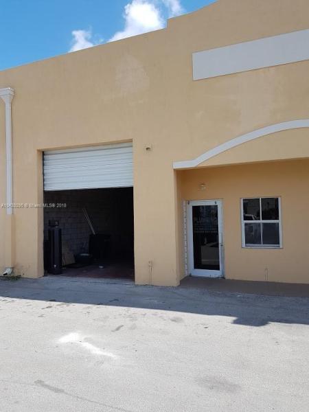 Imagen 4 de Commercial Florida>Hialeah Gardens>Miami-Dade   - Sale:235.900 US Dollar - codigo: A10429295