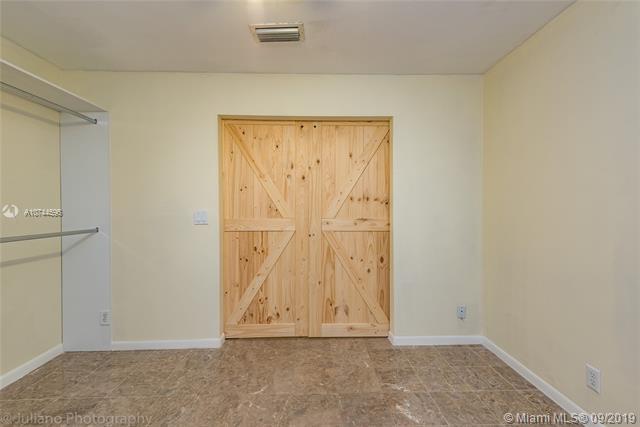 886 SW 180th Ter, Pembroke Pines, FL, 33029