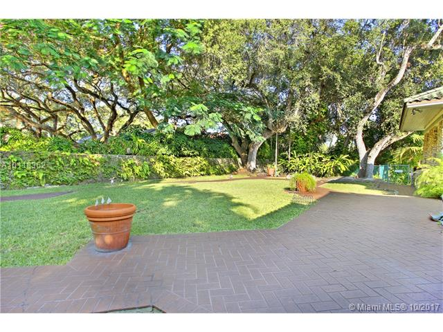 For Sale at  1665 S Bayshore Dr Coconut Grove  FL 33133 - 14 54 41   .46 Ac Carter- - 4 bedroom 3 bath A10118362_14