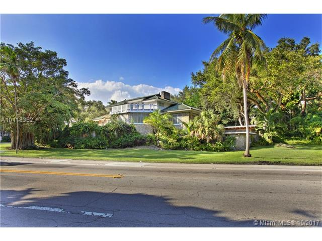 For Sale at  1665 S Bayshore Dr Coconut Grove  FL 33133 - 14 54 41   .46 Ac Carter- - 4 bedroom 3 bath A10118362_4