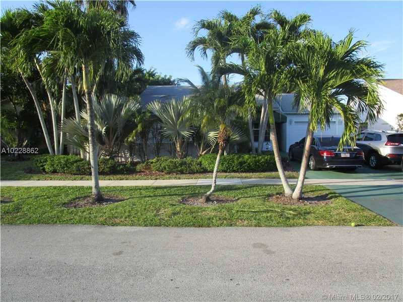1359  Sabal Trl , Weston, FL 33327-1641