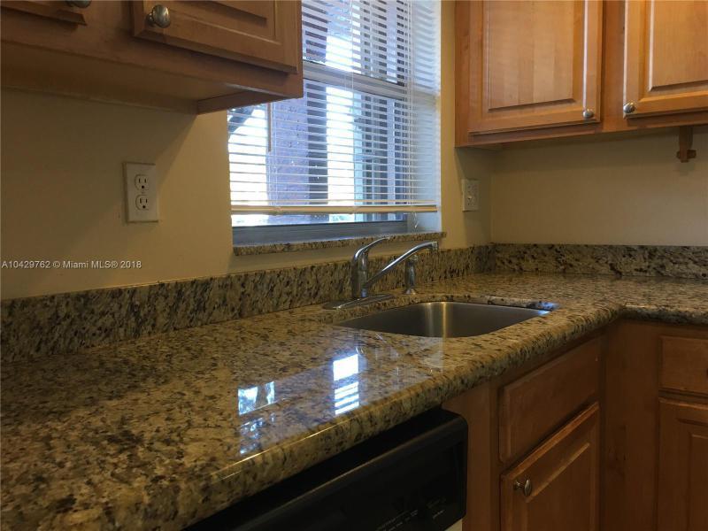 Imagen 2 de Townhouse Florida>Sunrise>Broward      - Sale:62.000 US Dollar - codigo: A10429762