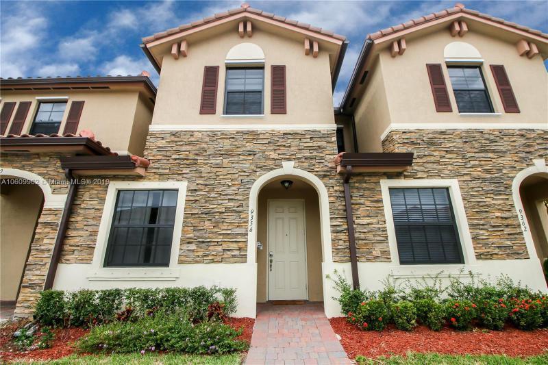 9349 NW 114th Ln , Hialeah Gardens, FL 33018-4269