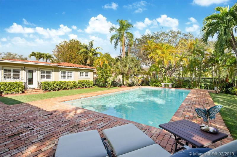 5990 SW 82nd St, South Miami, FL, 33143