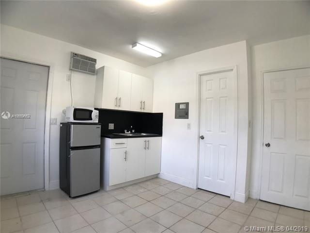 7746 NW 8th Ct , Miami, FL 33150-3223