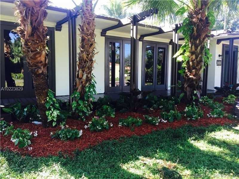 For Sale at  1010 NE 120Th St Biscayne Park  FL 33161 - Priors Add 01 Biscayne Pa - 3 bedroom 2 bath A10223829_2